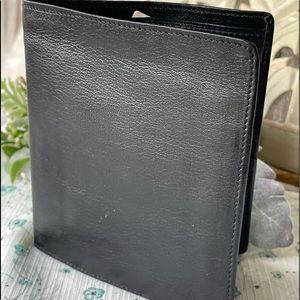 New! Oldie, Men's Prince Garner wallet.